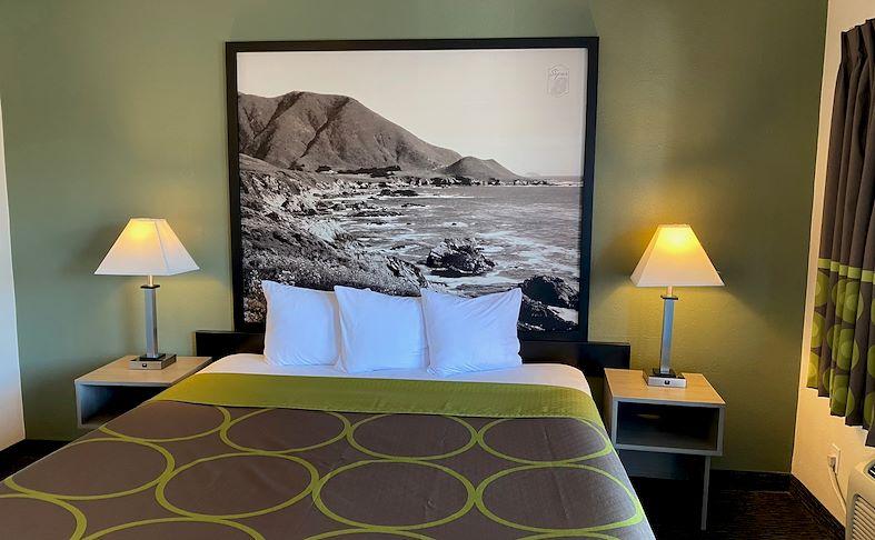 Monterey, California Hotel One Queen Bed
